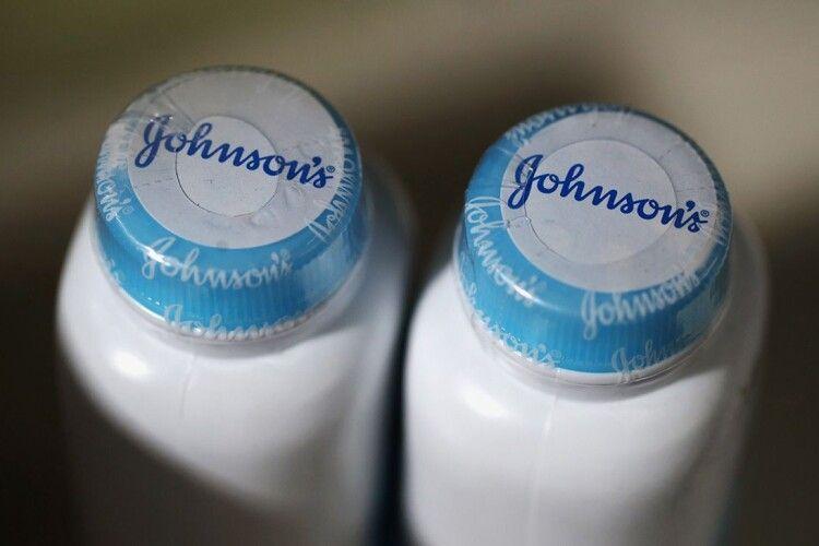 Johnson & Johnson припиняє виробляти відбілюючі лосьйони через расизм