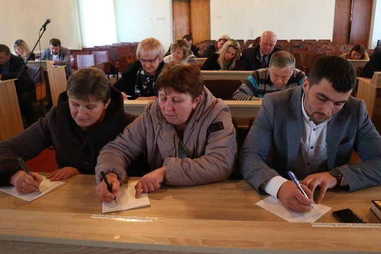 У Любешові депутати влаштували собі екзамен
