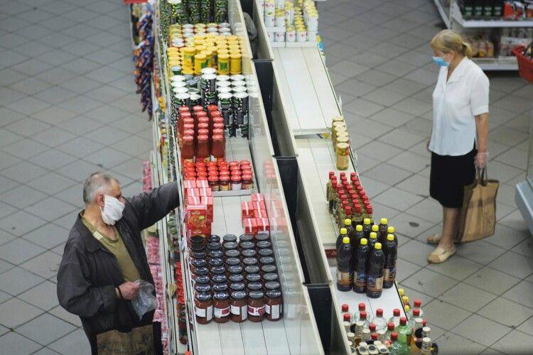 Ціни ніхто знижувати не буде: українцям анонсували подорожчання олії до 100 гривень