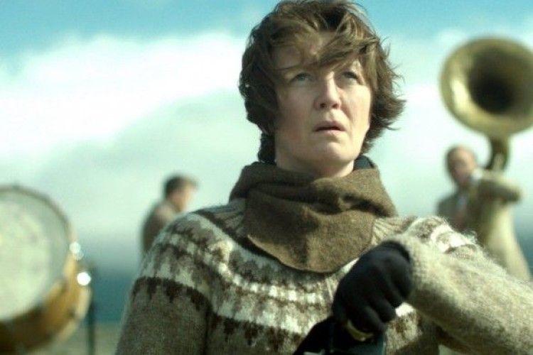 «Гірська жінка: на війні» - іноземна трагікомедія з нашими піснями (відео)