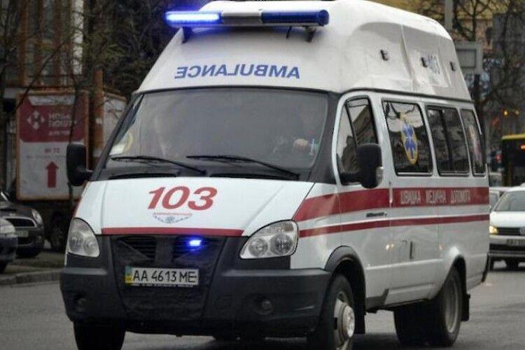Невідоме отруєння: в столиці лікарів і сім'ю, до якої вони прибули, охопили судоми