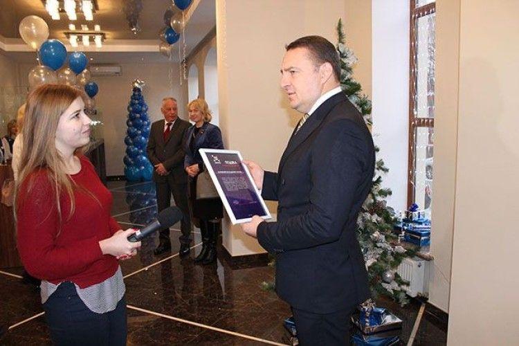 Генеральний директор «Волиньобленерго» отримав доброчинну подяку «12 каналу»