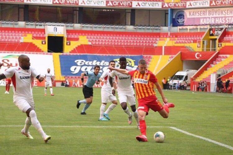 Артем Кравець забиває у третьому поспіль матчі за «Кайсеріспор»