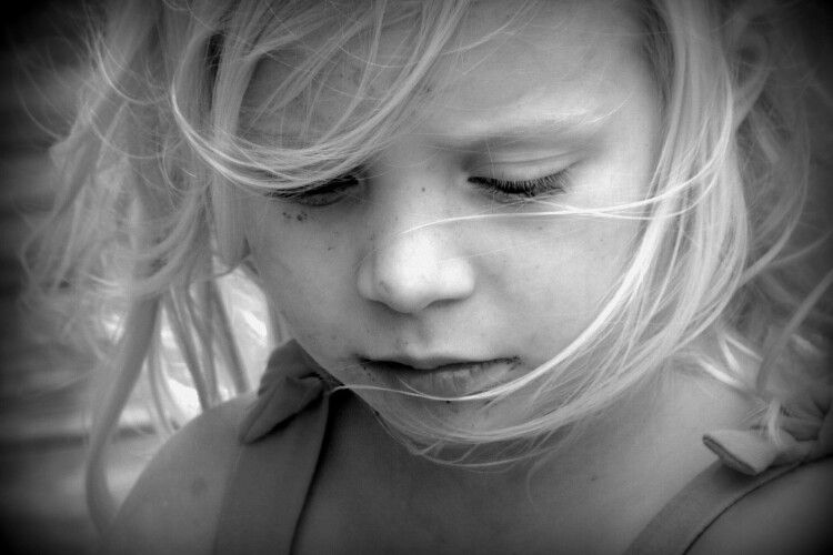 Молодий водій переїхав трирічну дівчинку на автостоянці