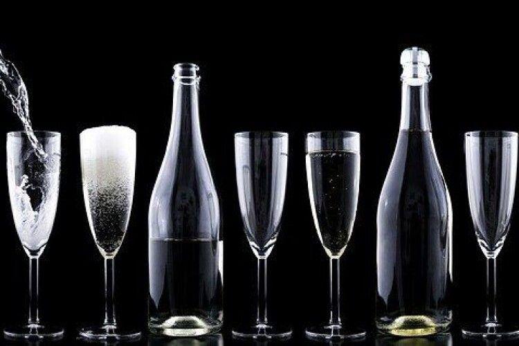 В Україні різко подорожчає алкоголь: як і чому зміняться ціни на горілку, віскі та коньяк
