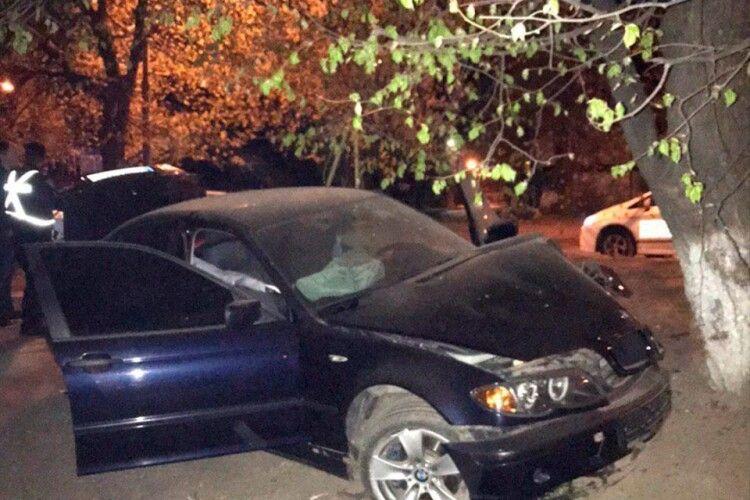 В'їхав в дерево: за ніч у Луцьку зловили дев'ять нетверезих за кермом