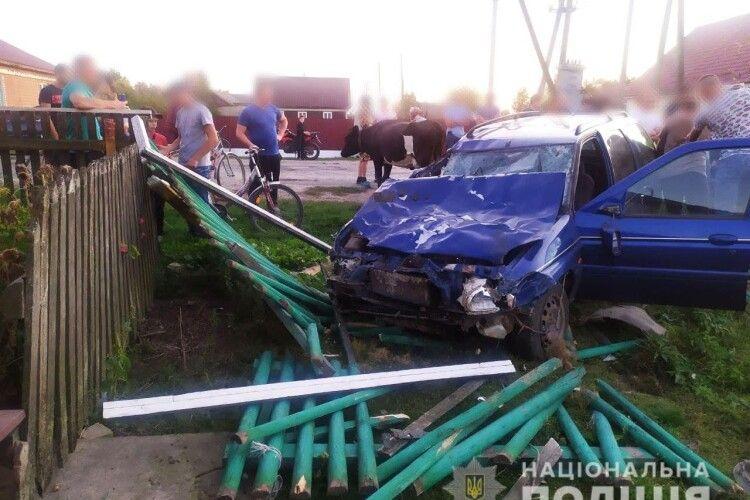 Убив дві корови і розтрощив машину: п'яний водій наробив лиха на Рівненщині (Фото)