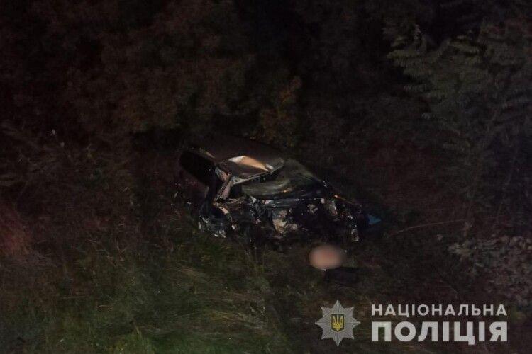 Під Луцьком - смертельна аварія: легковик зіткнувся з вантажівкою (Фото)