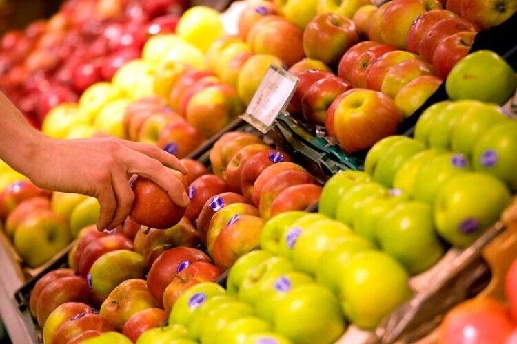 В Україні стрімко дешевшають яблука