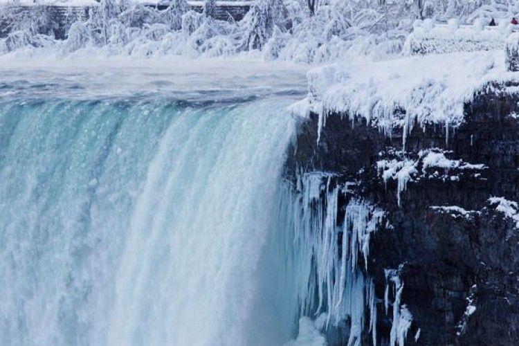 У США частково замерз Ніагарський водоспад