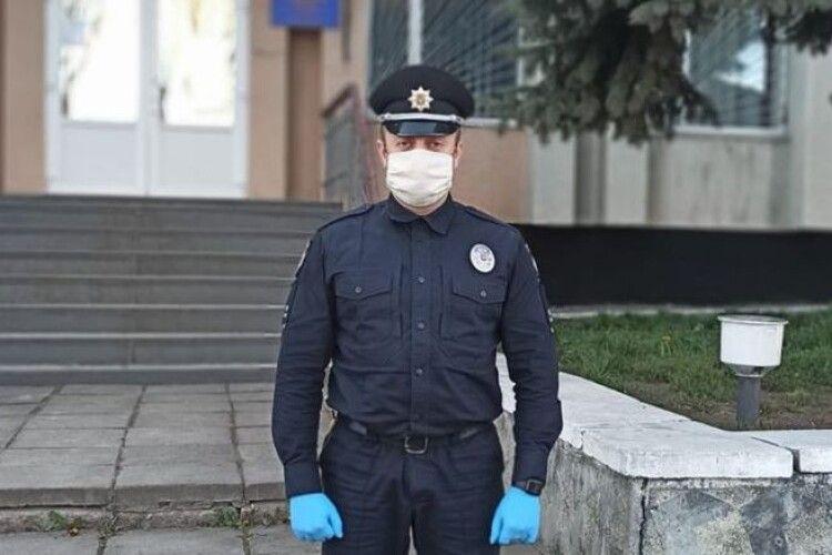 Локачинські поліцейські на Великдень чергуватимуть у повному складі