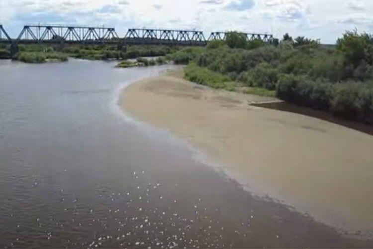 На Рівненщині пересихає річка (Відео)
