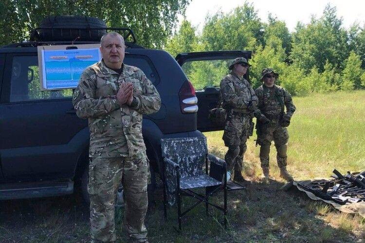 Волинські журналісти взяли до рук зброю: кидали гранати та стріляли з пістолета (Фото)