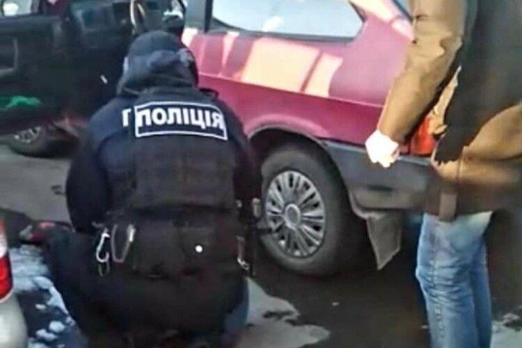Викрадений в Нововолинську автомобіль знайшли у Луцьку (Фото. Відео)