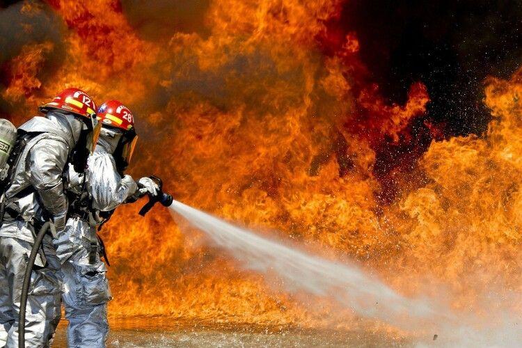 На Горохівщині згорів Mercedes