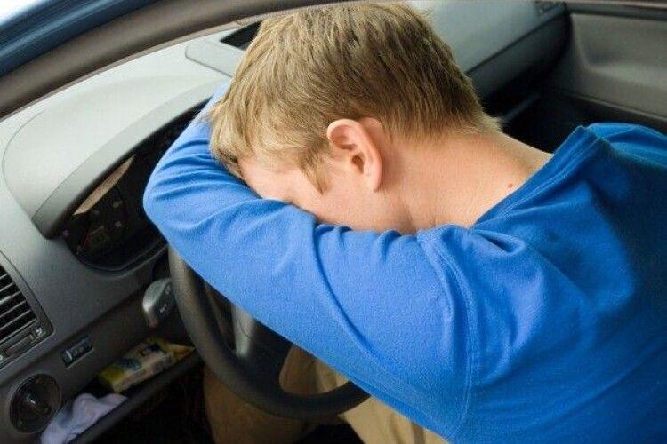 Водій заснув за кермом: на Горохівщині в ДТП постраждали діти