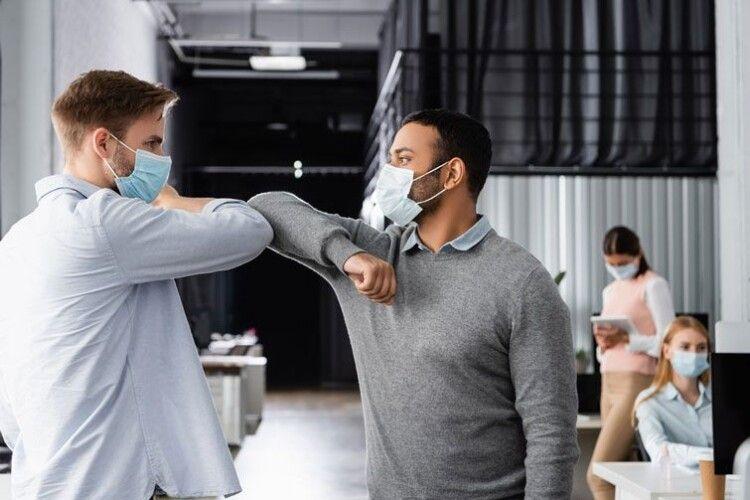 Якщо 95% людей носитимуть маски, локдауну можна буде уникнути, – ВООЗ