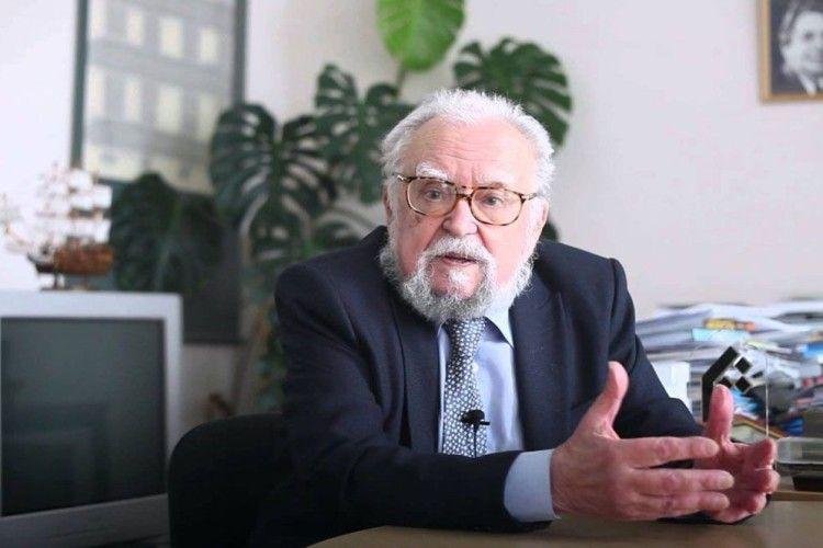 Головне — не стати «гопаковою» і «горілчаною» Україною
