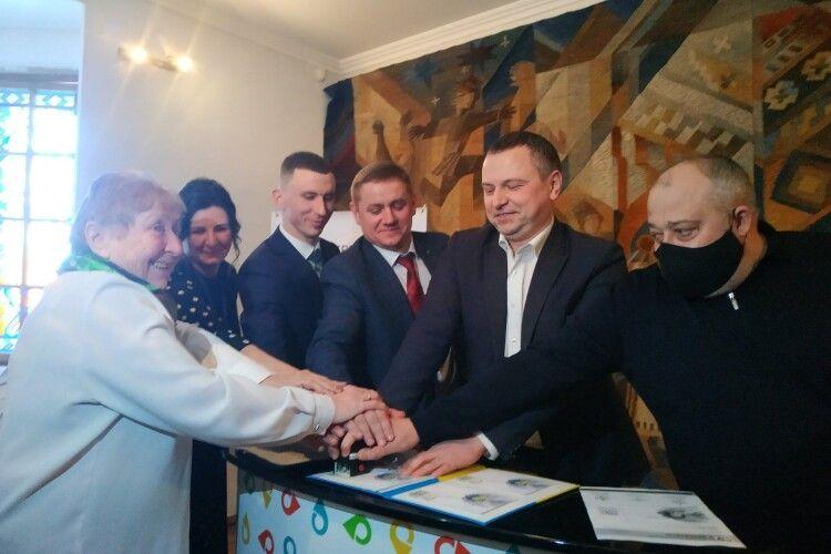 У Колодяжному відбулось урочисте спецпогашення поштових марок з нагоди ювілею Лесі Українки (Фото, Відео)