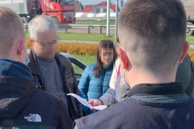 На Рівненщині голова ОТГ хабар хотів замаскувати за благодійність