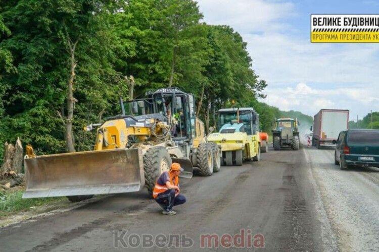 Біля селища Голоби розпочалися дорожні роботи