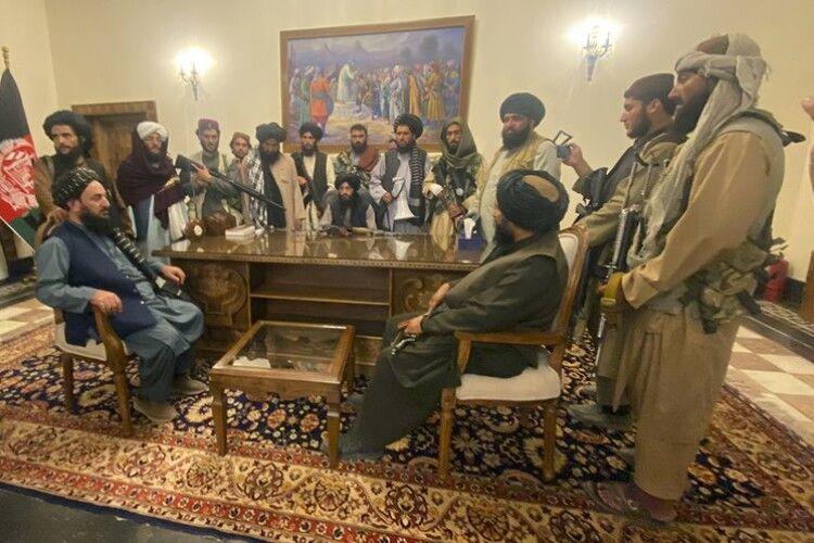 В Афганістані ще залишається близько 50 українських громадян
