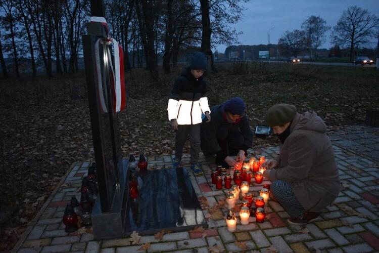 У Любешові поминали похованих на польському кладовищі