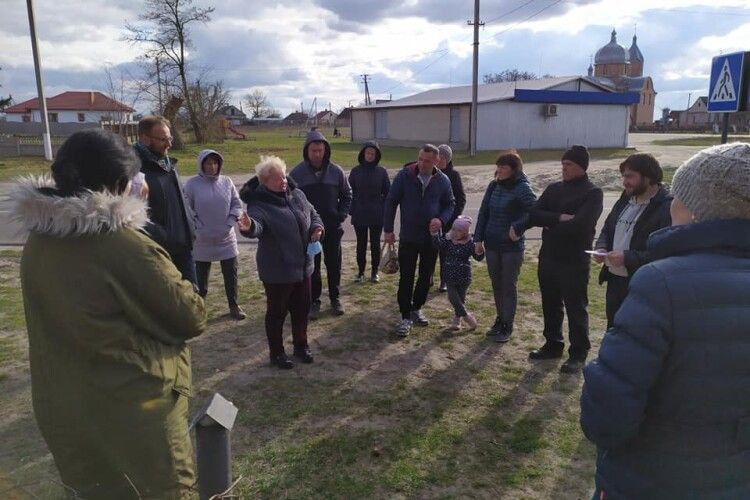 Відмовилися приймати заяви на вступ у перший клас: на Волині  громада готується до «радикальних дій» (Фото)