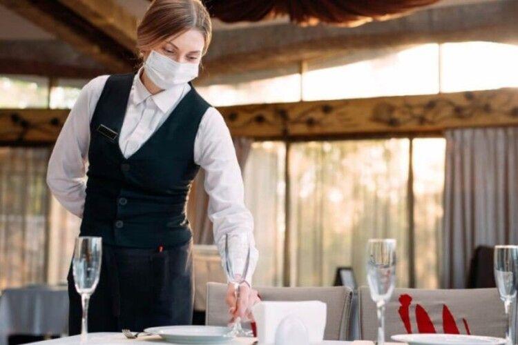 В Україні проведуть масові перевірки кафе, ресторанів і транспорту
