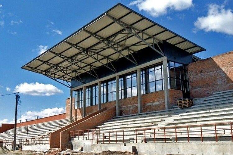 У Ковелі продовжують будувати стадіон «Локомотив»