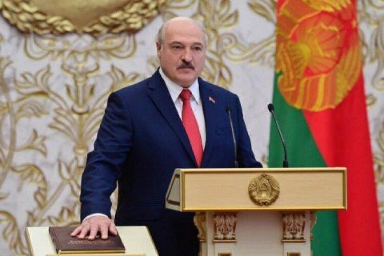 Лукашенко підписав декрет про передачу повноважень у разі його смерті