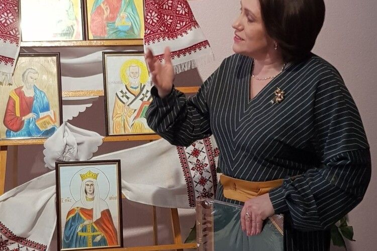 Ліцеїстка – героїня публікації «Газети «Волинь» презентувала свої роботи