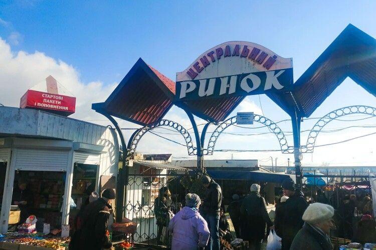 Останній день роботи «Старого базару» у Луцьку: підприємці обіцяють не здаватися (Відео)