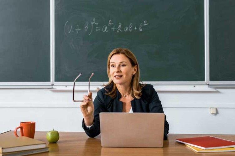І тут – просять відкати: що не так із закупівлею ноутбуків для вчителів?