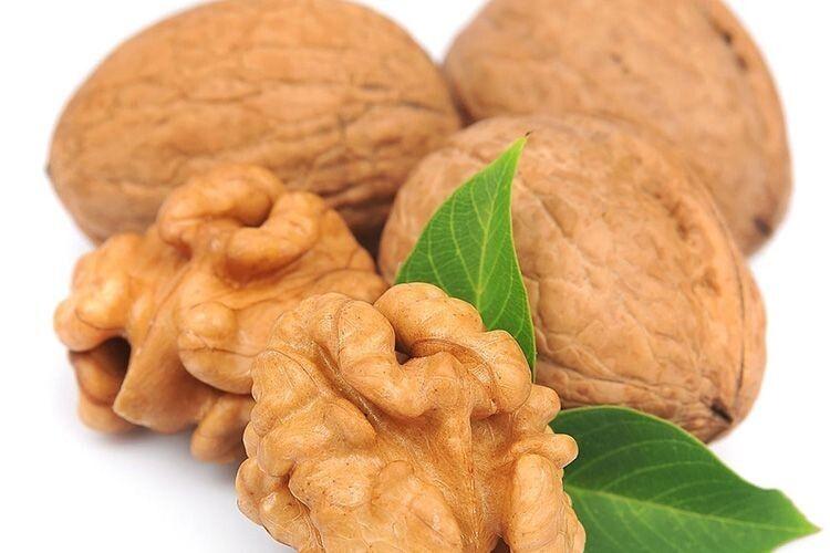 Як правильно зберігати горіхи?