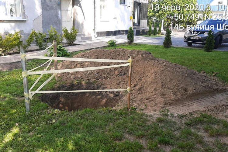 Муніципальна варта зупинила нелегальні земляні роботи в центрі Луцька