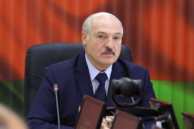 Лукашенко визнав, що в Белтелерадіокомпанії почали працювати російські журналісти