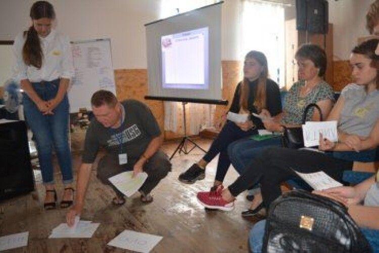 На Любешівщині вчаться давати раду зі сміттям