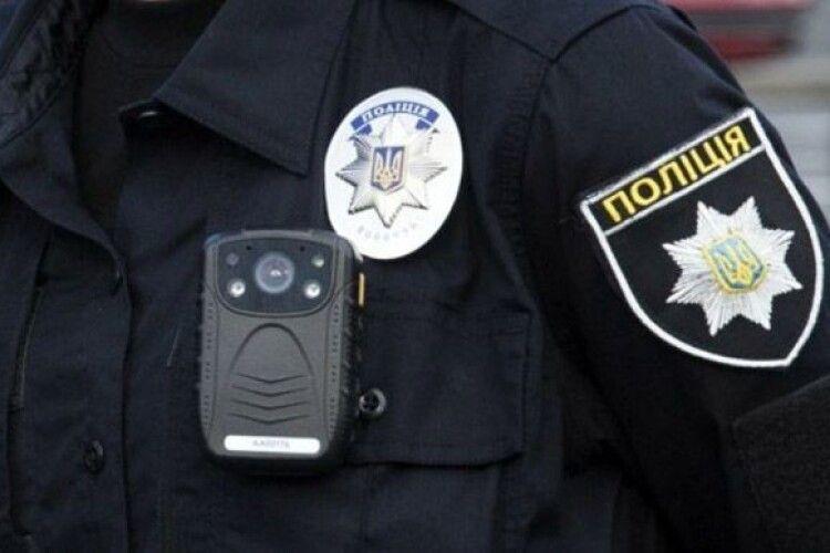 Правоохоронці розслідують загибель двох дітей, яких знайшли у старій скрині в їхньому будинку