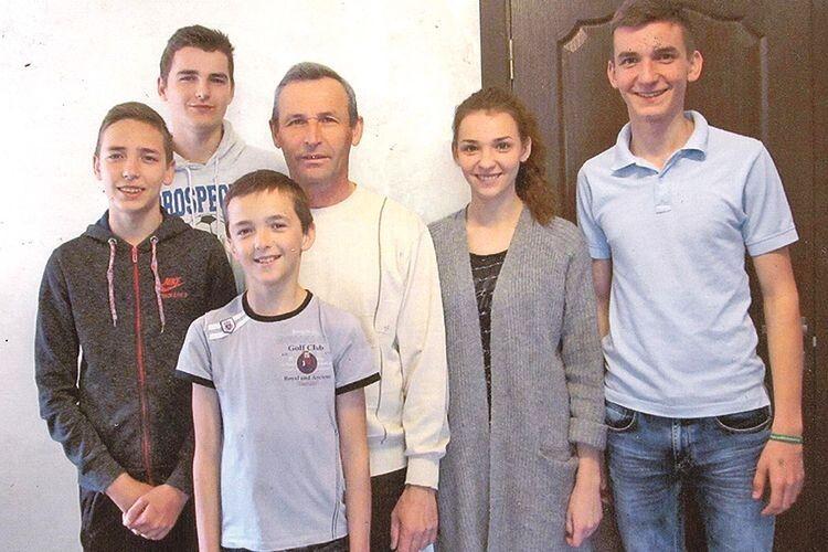 Волинянин без дружини поставив на ноги 5 неповнолітніх дітей