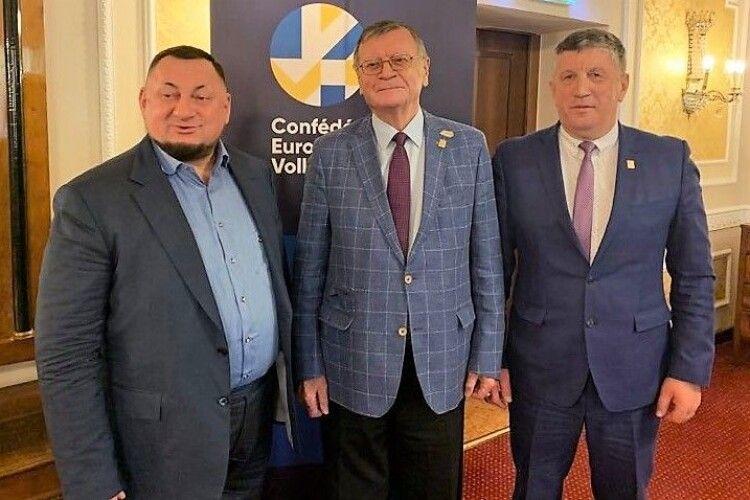 ФВУ та ЄКВ підписали контракт щодо проведення в Україні чоловічого чемпіонату Європи-2023 з волейболу