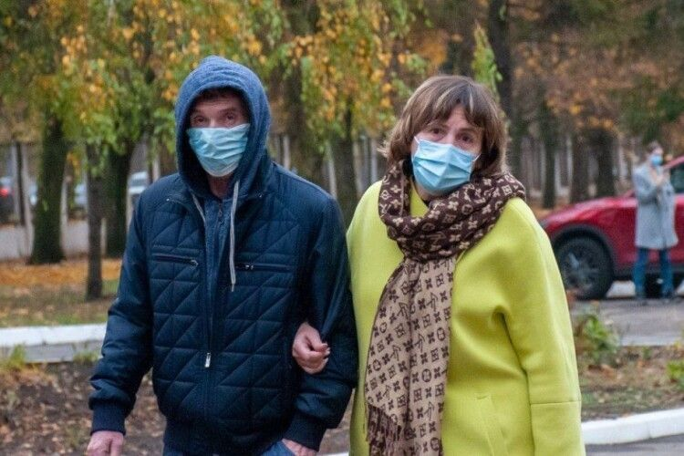 Лікар розповів про небезпечні розваги після коронавірусу: чого не можна робити