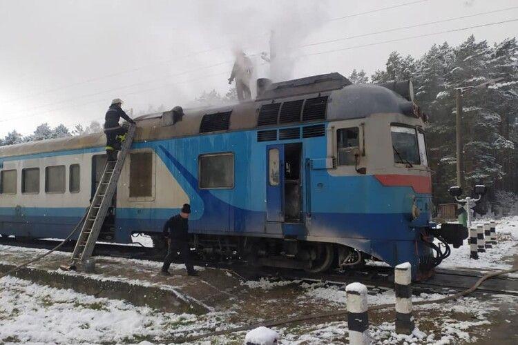 На Волині горів дизель-поїзд (ВІДЕО)