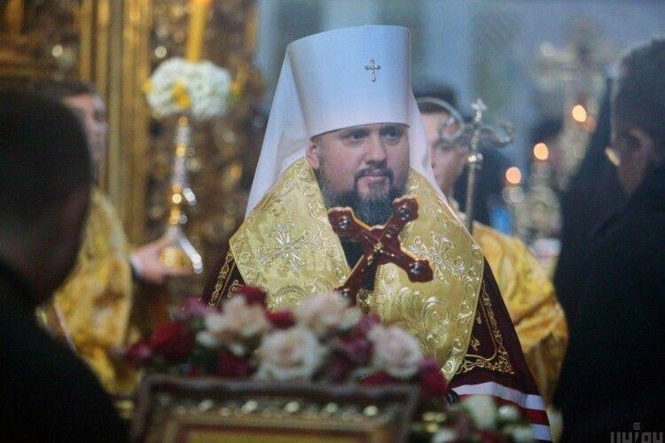 У Свято-Михайлівському Золотоверхому кафедральному соборі в Києві відбувається святкове богослужіння (Відео)