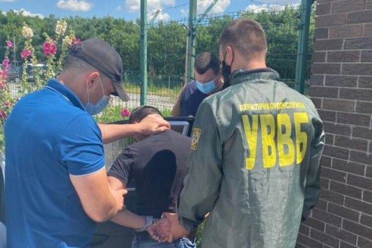 Росіянин намагався «купити» в'їзд до України за $400