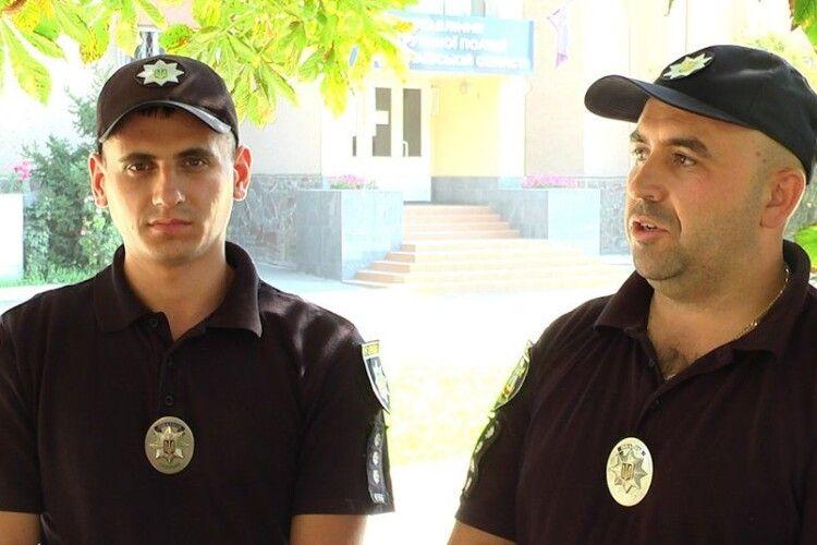 Чоловік приймав пологи, а допомагали патрульні поліцейські