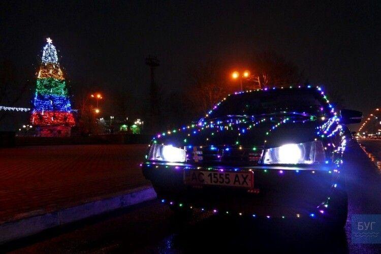 Власник «вогняної дев'ятки» з Нововолинська розповів про свою машину (Фото)