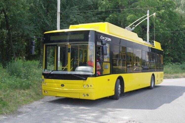 Луцький автозавод відправив до Полтави 10 новеньких тролейбусів