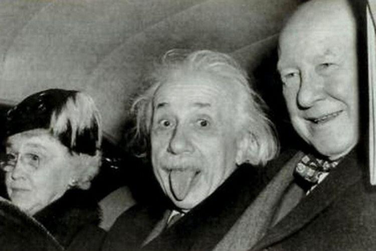 Чому Ейнштейн показав язика?