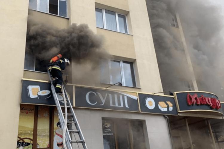 Квартира у Рівному загорілася через електронну сигарету